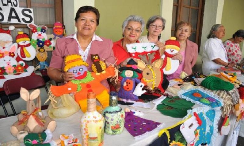 DIF Cuautepec inició curso de capacitación para adultos mayores.