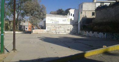 Área deportiva en colonia Lindavista está en el abandono, es refugio de pandillas y piden a las autoridades la rescaten.