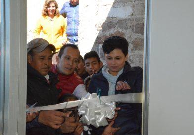 En Acaxochitlán se beneficia a 40 familias de Los Reyes con cuartos adicionales.
