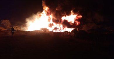Incendio en toma clandestina de hidrocarburo en Cuautepec.