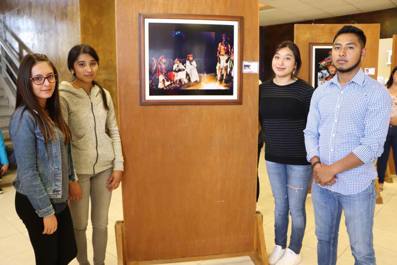"""Inauguran exposición fotográfica """"Los Colores de México"""" en la UPT"""