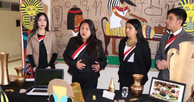 Exponen estudiantes de la UPT  proyectos de Multiculturalidad