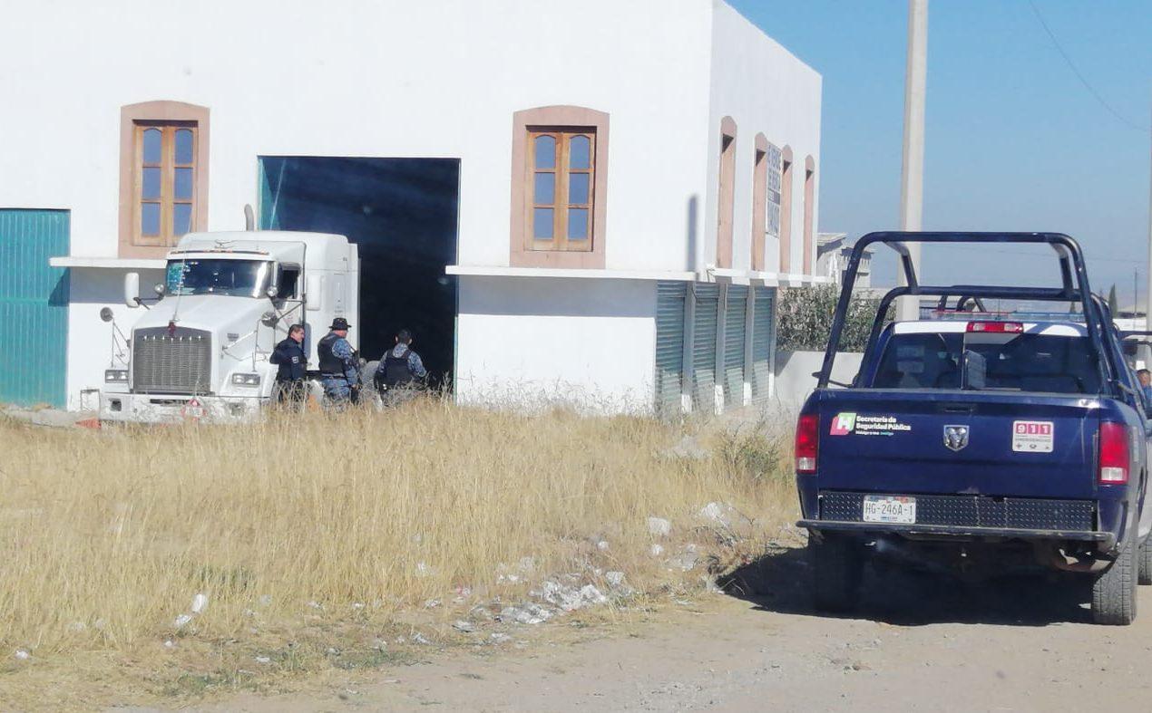 Recupera Seguridad Pública dos pipas y un trailer en Napateco y Santa Ana Hueytlalpan