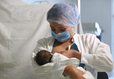 Lactancia materna, la mejor prevención contra las alergias:ISSSTE