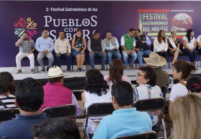 Develan placa conmemorativa de Pueblo con Sabor en Acaxochitlán