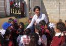 Atiende Rocío Sosa al sector educativo de Acaxochitlán